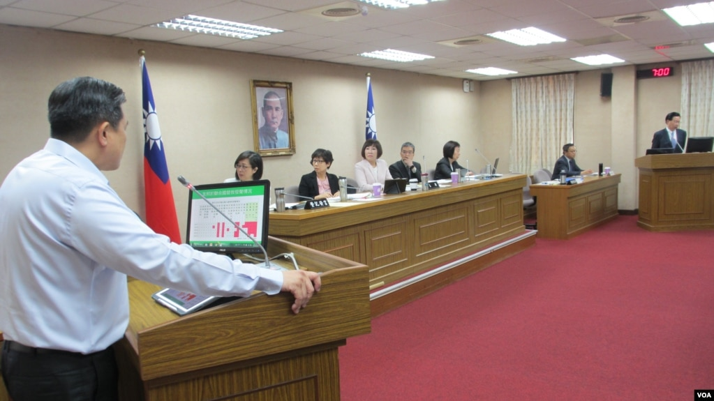 台灣立法院外交及國防委員會5月17號質詢的情形(美國之音張永泰拍攝)
