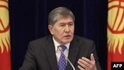 Прзидент Киргизстану Алмазбек Атамбаєв