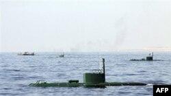 Подводные лодки и корабли ВМС Ирана на учениях