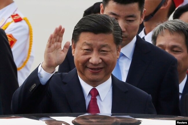 China's President Xi Jinping arrives for the APEC Summit in Danang, Vietnam, Nov. 10, 2017.
