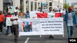 Ex-trabalhadores numa anterior manifestação em Berlim
