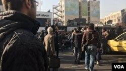 تجمع اعتراضی در خیابان انقلاب تهران