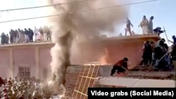 Kuil Hindu dibakar di Karak Khyber Pakhtunkhwa. (Foto: Video Grab/Social Media)