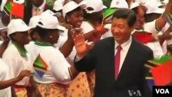 习近平主席在非洲受到热烈欢迎