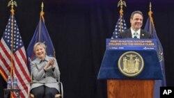 Гілларі Клінтон і губернатор штату Нью-Йорк Ендрю Куомо
