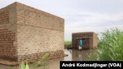 Dans le quartier Dingangali dans le 9e arrondissement de la ville de N'Djamena, au Tchad, le 30 août 2018. (VOA/André Kodmadjingar)