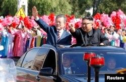 استقبال از رئیس جمهوری کره جنوبی در پیونگ یانگ به صورت یک جشن خیابانی برگزار شد.