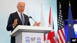 美国总统拜登在七国峰会的新闻发布会上讲话(美联社 2021年6月13日)