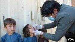 از آغاز سال جاری میلادی تا به حال ۵۶ کودک در افغانستان به مرض پولیو مصاب شده اند