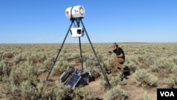 This is one of six solar-powered loudspeakers mimicking natural gas well field compressor noise at study sites on Idaho's Snake River Plain (VOA/T. Banse)