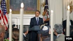 Presiden AS Barack Obama saat memberikan sambutan pada acara buka puasa bersama (Iftar) di Gedung Putih (13/8/2010).