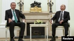 土耳其总统埃尔多跟2015年9月23日在克里姆林宫会晤普京