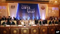 دوحہ اجلاس کے اختتام پر جاری کیے گئے اعلامیہ میں شرکاء کا کہنا تھا کہ مسٹر قذافی کو اقتدار چھوڑ دینا چاہیئے