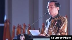 Presiden Joko Widodo ketika memberi sambutan pada HUT ke-10 dan Munaslub Partai Hanura di Cilangkap, Jakarta Timur, Rabu 21/12. (Foto courtesy : Setpres RI).