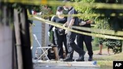 Las condiciones de los heridos varían de críticas a estables. La policía no reveló los nombres ni edades de las víctimas.