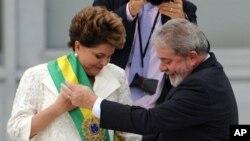 """Dilma Rousseff e seu antecessor Luiz Inacio """"Lula"""" da Silva"""