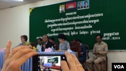 Health officials gathered in Kampong Speu province to educate Cambodians on how to fight child mortality.