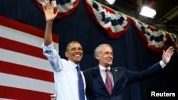 El presidente Obama ofrece su respaldo a Edward Markey durante una reunión de campaña, quien postulaba para el Senado de Massachusetts.
