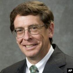加州大学黑斯庭分校刑法学教授罗利•利特