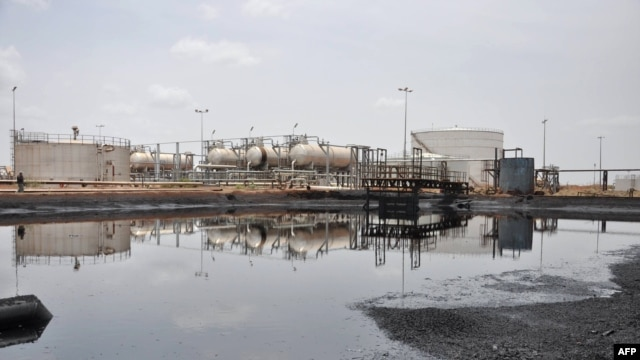 A file photo taken on April 23, 2012 shows a view of an oil field in Bentiu, South Sudan.