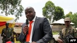 Bertrand Bisimwa, au centre, président du M23, prononce un discours à Bunagana, Nord-Kivu, 7 mars 2013.