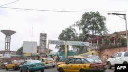 Urujya n'uruza rw'imodoka mu murwa mukuru wa Kameruni