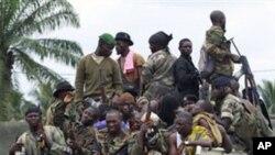 와타라 지지파 군인들