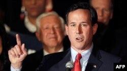 Ứng viên Rick Santorum phát biểu tại một cuộc vận động ở bang Missouri, ngày 7/2/2012