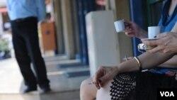 Studi baru menunjukkan perokok pasif yang tinggal dengan perokok lebih besar kemungkinan lebih sering masuk rumah sakit dan menderita gangguan jiwa.