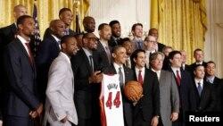 Obama tiene por costumbre recibir en la Casa Blanca a los equipos campeones de las diferentes ligas profesionales de Estados Unidos.