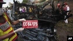 На месте взрыва. Пешавар. 3 сентября 2012 г.
