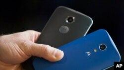 Los nuevos celulares funcionarán con una versión estándar del sistema operativo Android de Google, en lugar del más avanzado Fire OS de Amazon.