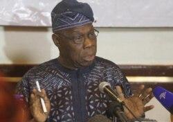 Obasanjo de novo em Bissau para tentar superar crise