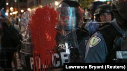 En images : nouvelles manifestations à St. Louis après l'acquittement d'un policier
