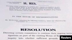 El borrador de una resolución de la Cámara de Representantes de Estados Unidos que establece formalmente los próximos pasos en la investigación de juicio contra el presidente Donald Trump. Reuters.