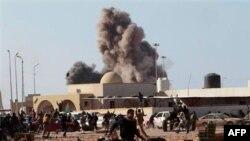 Повітряна атака сил Муаммара Каддафі