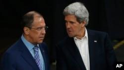 Ngoại trưởng Mỹ John Kerry và Ngoại trưởng Nga Sergey Lavrov tại Kiruna, Thụy Điển, ngày 15/5/2013.