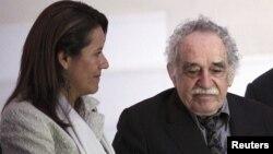 El Nobel Gabriel García Márquez con Margarita Zavala, Primera Dama de México.
