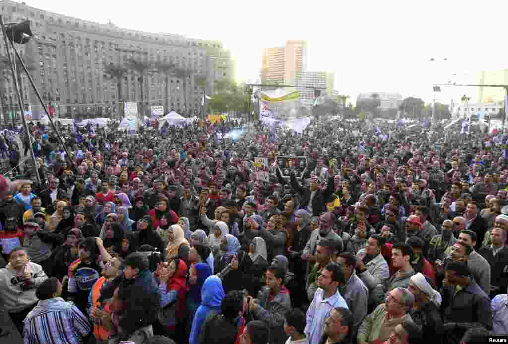 Protesters chant anti-government slogans in Tahrir Square, Cairo, Egypt, December 11, 2012.