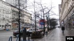 波兰首都华沙街头。