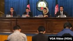 د افغان حکومت د بیلابیلو ادارو دغو ویاندویانو خپلو وسله والو مخالفانو سره د جګړې خبره د کابل د سه شنبې د برید وروسته کړې ده.