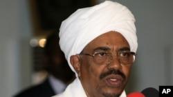 Shugaban Sudan Omar al Bashir da kotun ICC ke nema ruwa a jallo