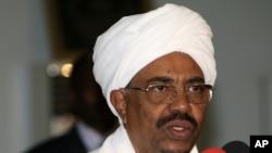 Shugaba Omar Hassan al-Bashir na Sudan (file photo).