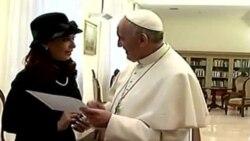 Papa se reúne con presidenta de Argentina