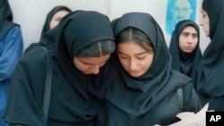 이란의 여학생들(자료사진)