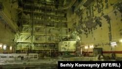 Реакторний зал першого енергоблоку Чорнобильської АЕС