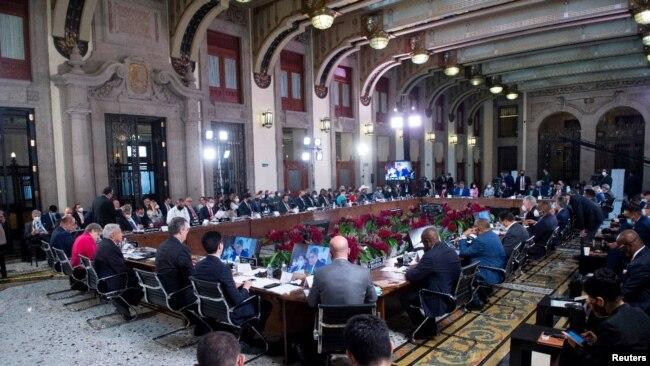 Los presidentes latinoamericanos reunidos en la Ciudad de México en la cumbre de la Comunidad de Estados Latinoamericanos y Caribeños, CELAC, el 18 de septiembre de 2021.