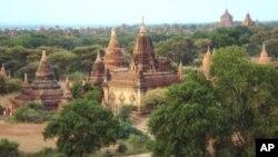 古都蒲甘有两千多座佛塔和庙宇