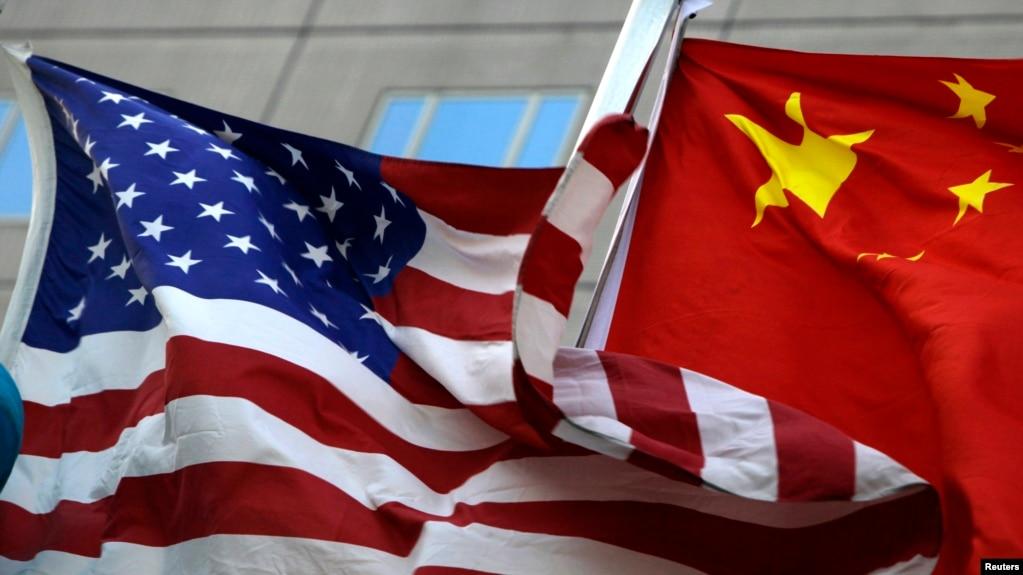 美中国旗(photo:VOA)