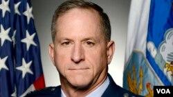 """""""美国空军参谋长古德芬上将"""",美国国防部照片"""